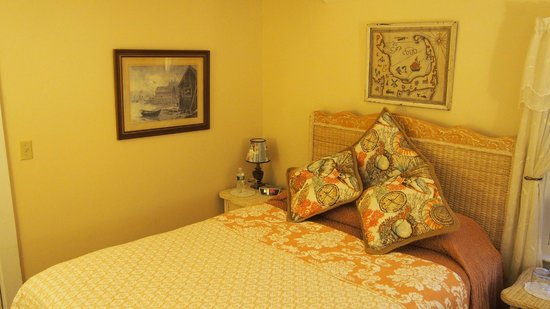 Hillcrest Bed Breakfast Hyannis Ma