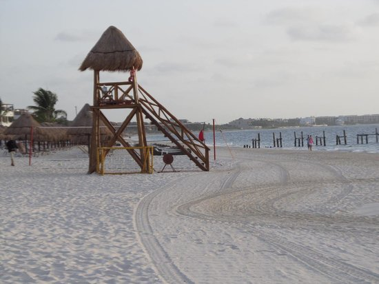 Excellence Riviera Cancun: looking north toward Cancun from the EC beach area