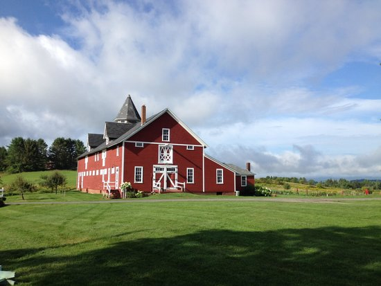 Inn at Mountain View Farm: The wedding barn
