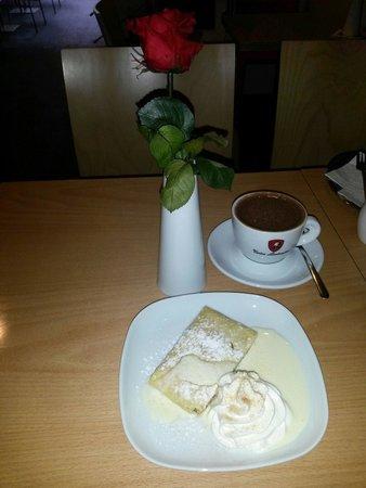 Lamborghini caffe : Apple pie