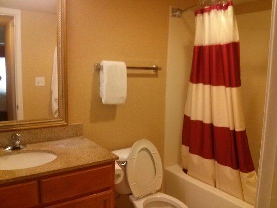 Residence Inn Binghamton: First Floor Bathroom