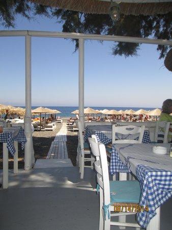 Boathouse Taverna: Boathouse on the beach