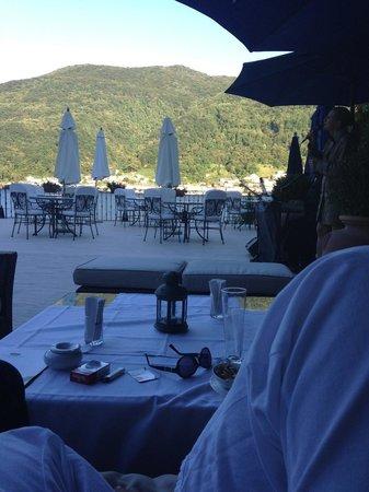 Swiss Diamond Hotel Lugano: musica lounge con vista al lago