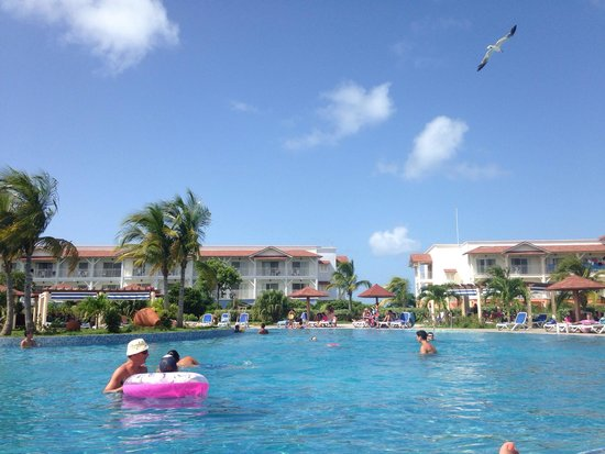 Memories Flamenco Beach Resort: Amazing pool