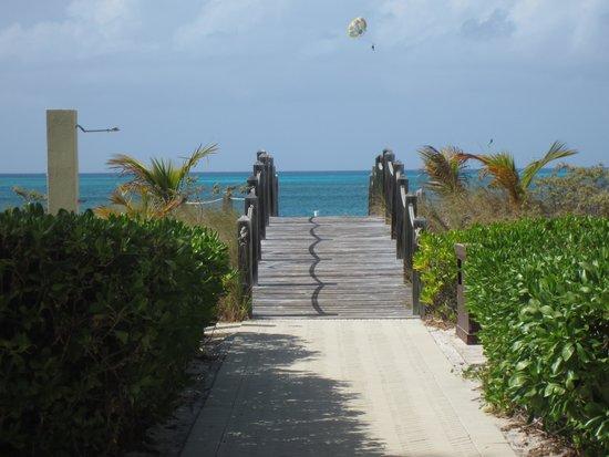 Le Vele Resort: The beach awaits!