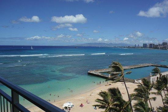 The New Otani Kaimana Beach Hotel: ラナイからカイマナビーチを