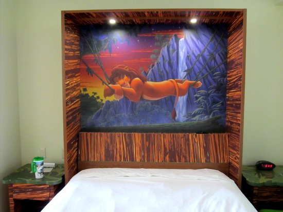 Disney's Art of Animation Resort: Bed by night...table by day