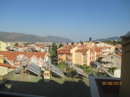 Club Alpina Apartments Hotel: View from balcony, 5th floor