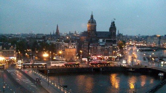 DoubleTree by Hilton Hotel Amsterdam Centraal Station: La vista de nuestra habitación