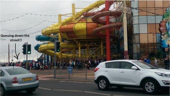 sandcastle waterpark queues!