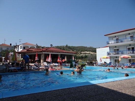 Royal Hotel: pool