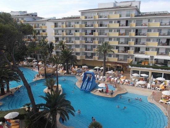 IBEROSTAR Alcudia Park: Zona piscina