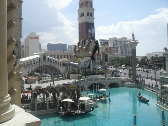 The Grand Canal Shoppes at The Venetian: Grand Canal and Gondolas