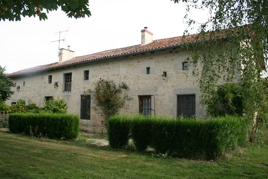 La Roseraie : Front of property