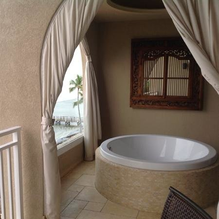 Cheeca Lodge & Spa: king suite ocean view