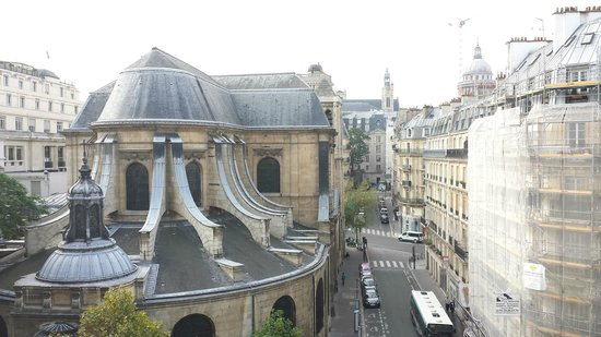 Hotel Abbatial Saint Germain: Great view from one of our balconies.