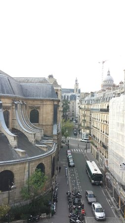 Hotel Abbatial Saint Germain: View from the balcony