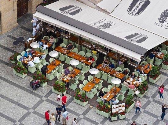 Hotel U Prince: Outside Café