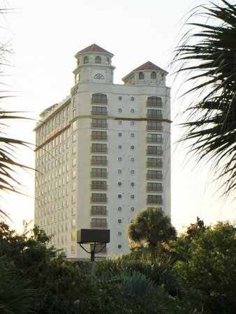 Doubletree by Hilton Orlando at SeaWorld: Un des bâtiments de l'hôtel