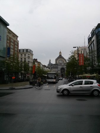 Gare centrale : the mighty building of the train station