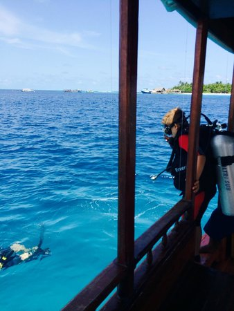 Diving Bluetribe Moofushi: diving with Blue Tribe