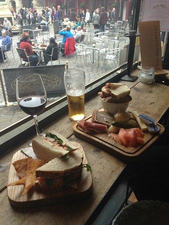 The Shakespeare Restaurant: Delicious tapas plate!