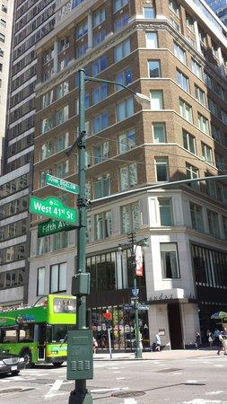 Andaz 5th Avenue: Localização: 5th avenida com 41. Excelente