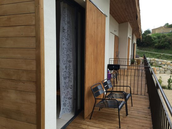 La Maison D'Edouard : Balcony with sliding 'black out board'