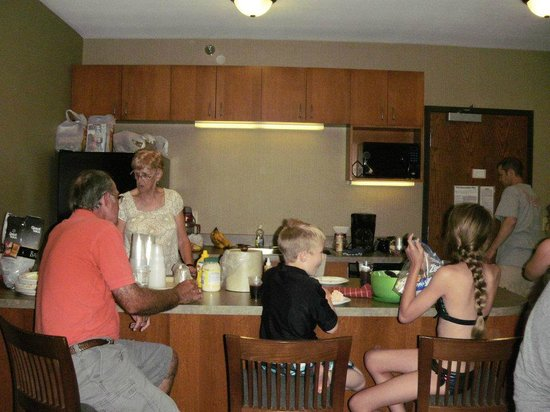 King's Pointe Waterpark Resort: Love the space in the Family Suite