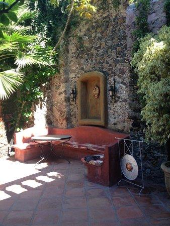 Coqueta Hotel Boutique: Jardin día