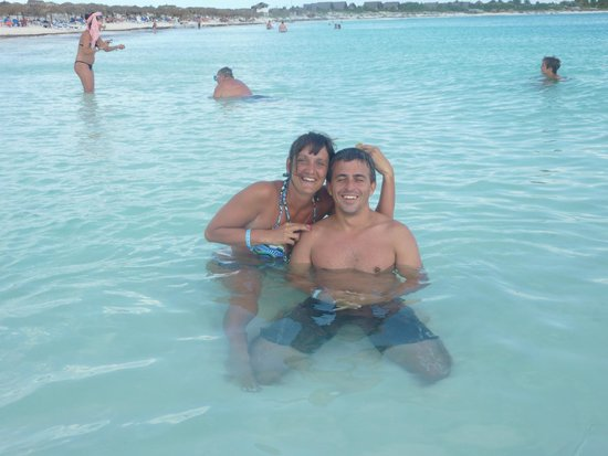Sol Cayo Largo: Playa del hotel..alimentando los pesces
