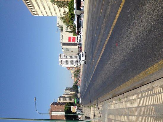 Novotel Suites Malaga Centro : Av. Próximo ao Suites Novotel