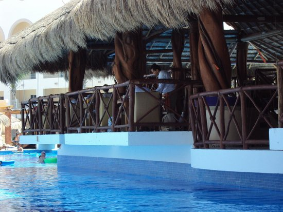 Excellence Riviera Cancun: The Grill/Lobster House