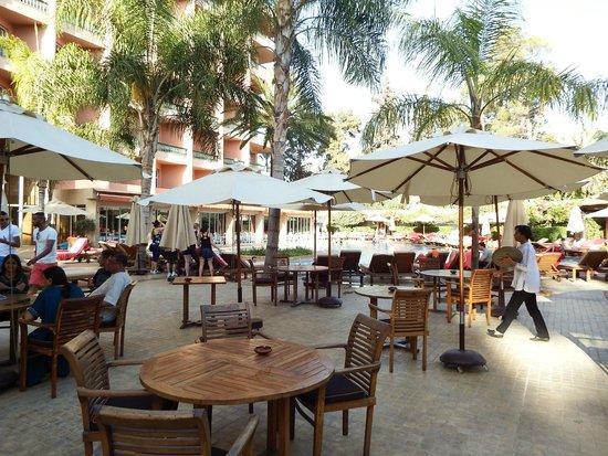 Es Saadi Marrakech Resort - Hotel : snack de l'hôtel