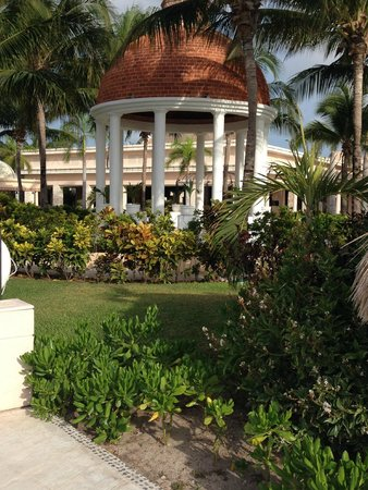 Excellence Riviera Cancun: Grounds