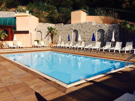 Panoramic Hotel : peaceful pool area