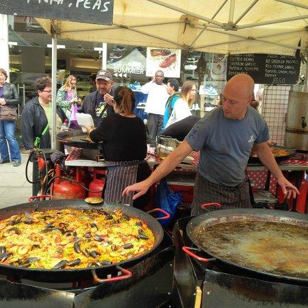 Portobello Road Market: Paella- NO Vegetarian though  :(