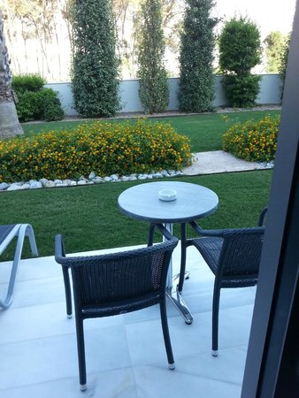 Hipotels Gran Conil: Terrase privative de la chambre