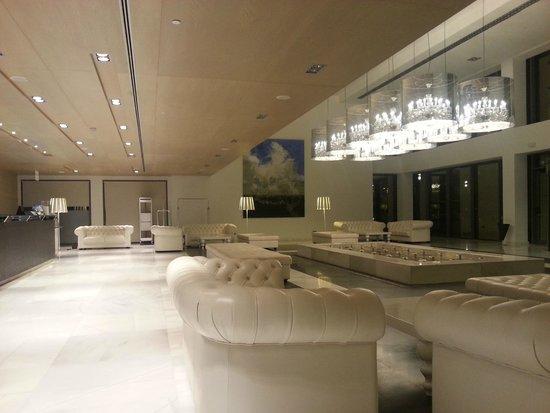 Hipotels Gran Conil & Spa: Hall de l'hôtel