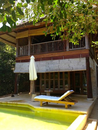 Six Senses Ninh Van Bay: beach front villa