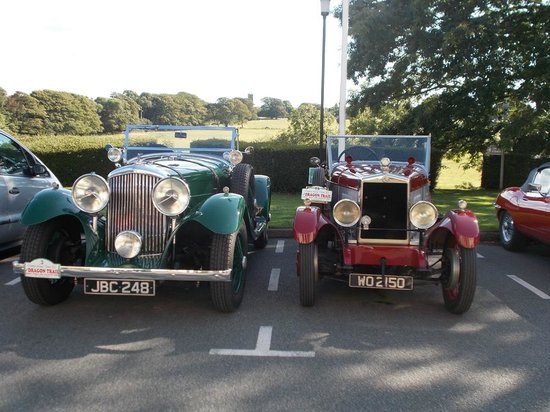 BEST WESTERN Lamphey Court Hotel: Cars in car park