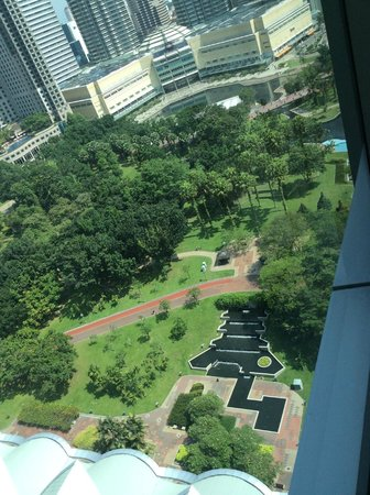 Traders Hotel, Kuala Lumpur : View of park from room