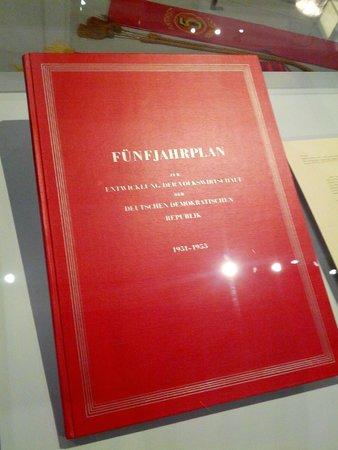 Museum in der Kulturbrauerei: documenti originali del Piano Quinquennale