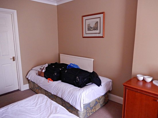 The Crown Hotel: Room