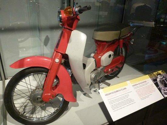 Museum of Transport and Technology: ヘレン・エリザベス・クラーク元首相からの寄付とのこと
