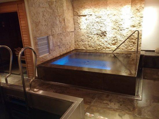 Buddha-Bar Hotel Budapest Klotild Palace: spa