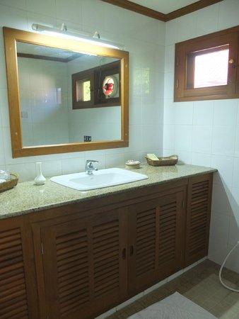 Win Unity Resort Hotel: Salle de bain