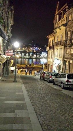 rua ao lado do hotel