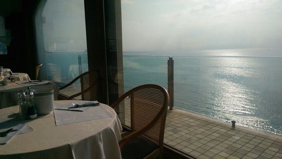 Grand Hotel Spiaggia: la vue exceptionnelle depuis la salle du restaurant
