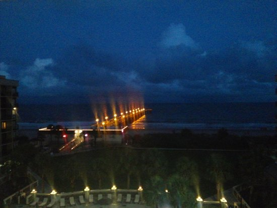 DoubleTree Resort by Hilton Myrtle Beach Oceanfront: Night time view
